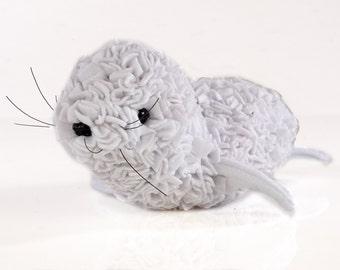 Proggy® White Seal Rag Rug Kit