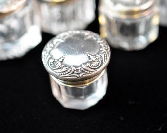 Rogue Pot, Dresser Jar, Sterling Silver lid, glass chip, powder jar, dresser jar, Rogue pots are hard to find, #1694