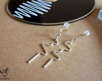 Earrings small electrocardiogram zigzag light with ball chain - handmade silver plated - silver plated made in France