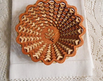 """Laser Cut WOOD LATTICE BOWL Alternating Tan Brown Unusual Visual Effect Canada Art Handmade, Natural Earth Color Signed Fathers Day 5.5"""" dia"""