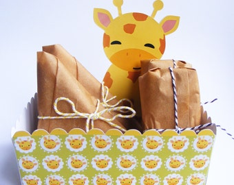 SNACK FOOD TRAY. Set of 6.  Giraffe Theme