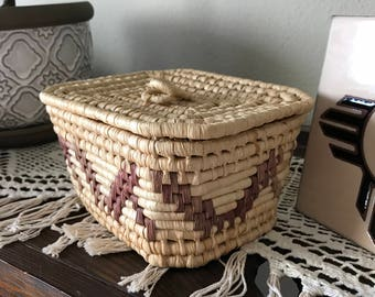 Vintage coil square basket with lid