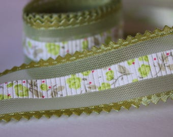 very pretty Green Ribbon flower with tulle