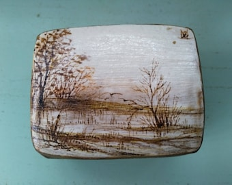 Box carved of children at the edge of the water handpainted vintage