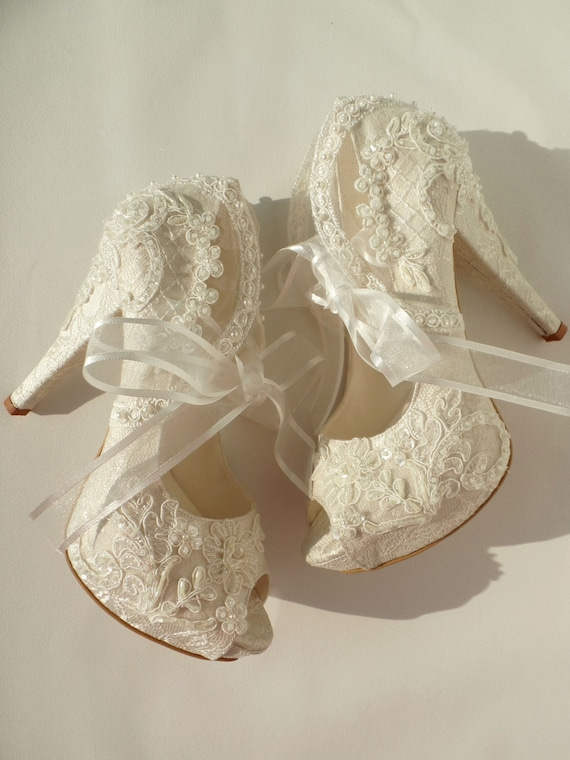 HOLIDAY SALE Wedding Shoes Bridal Embroidered Ivory