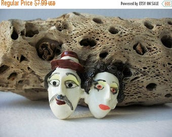 ON SALE Vintage Hand Painted Couple Plastic Pin 30317