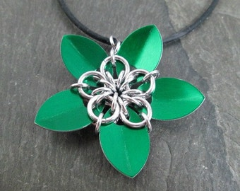 Chainmaille Flower Pendant - Green Scales - Scale Flower - Scale Jewelry - Flower Pendant - Green Necklace - Scalemaille Pendant