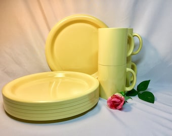 Bright Yellow Melamine Stackable Plates and Mugs Ingrid - 10 pieces