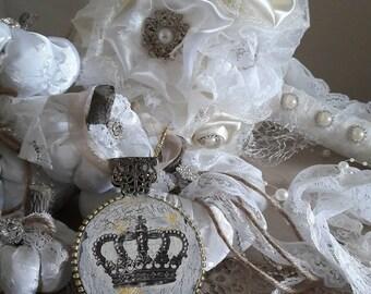 bridal bouquet Shabby Chic white collors
