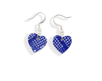 Blue Heart Earrings. Blue Willow Earrings. Dangle Earrings. Blue Willow. Heart Shaped Jewelry. Gift Box. Gift for Her. Broken China Jewelry
