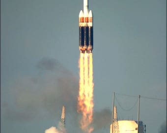 Poster, Many Sizes Available; Boeing Delta Iv Heavy Launch Vehicle Rocket Cape Canaveral