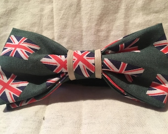 British Flag , Union Jack , UK Flag Bow Tie, United Kingdom Flag, British Flag, Men or young mens size bow tie with adjustable strap.
