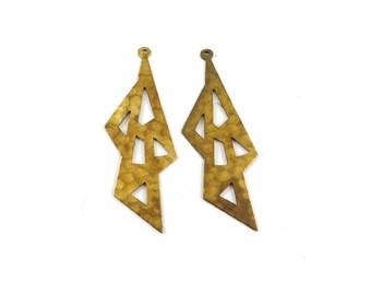 2 pendant hammered inca ethnic triangle Aztec geometric print brass raw 47mm x 17mm. PP-186
