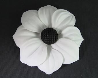 1 Vintage 68mm White Daisy Sunflower Glue-On Cabochons Cb82