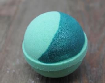 Jade Bath Bomb, Jade, Green Bath Bomb, Green Water, Lemon, Grapefruit,  Earthy, Gender Neutral, Simple bath Bomb, Gift, Crescent Moon