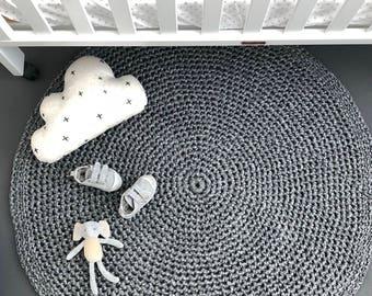 Round Crochet Doily Floor Rug - Silver Grey Marle T-shirt yarn