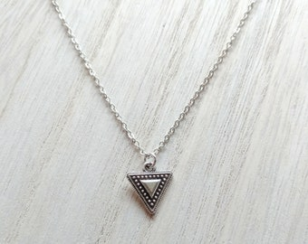 Silver Dainty Geometric Triangle Necklace, Dainty Triangle Necklace, Geometric Necklace, Minimalist Necklace, Extra Short Necklace