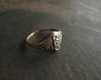 Vintage Sterling Silver Ring / Gold Plated / Art Nouveau Floral Style Flower