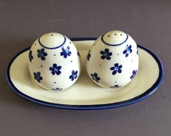 Polish Ceramic Boleslaweic Salt and Pepper Shakers With Matching Tray