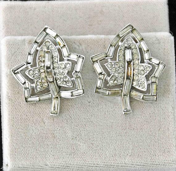 Vintage 1952 CROWN TRIFARI Alfred PHILIPPE Design Patent #166,347 Earrings Clear Baguette Rhinestone Pr Leaf Earrings Good Vintage Condition
