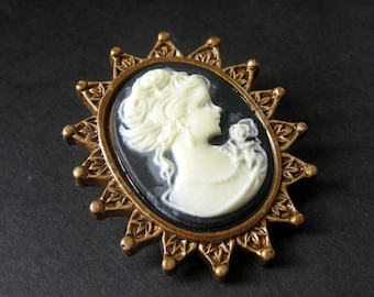 Dark Purple and White Cameo Cabochon Shank Button. Victorian Button. Crown Frame Cameo Button in Bronze. Resin Button - 41mm x 35mm  (Qty 1)