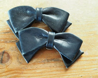 Navy Leather Shoe Clips - Clip on bow