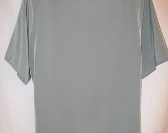 Jack Mulqueen Sage Blouse With Back Button Clousure