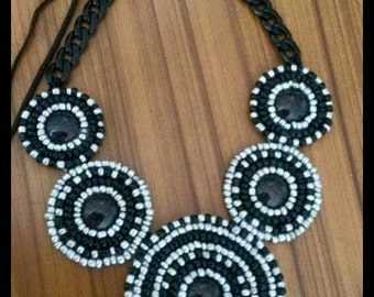 beaded necklace circles