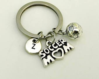 Soccer Mom keychain, Soccer Mom gift, Soccer ball keychain, Soccer Mom jewelry, Gifts for soccer Mom, Sports gifts, Initial keychain