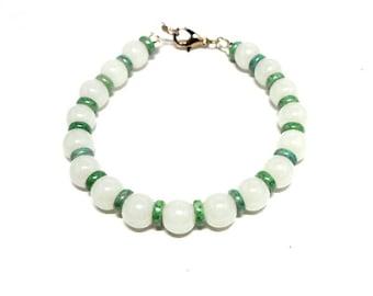 Bracelet white round pearls and green ceramic