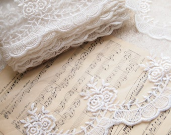 1m Ivory embroidered lace, mesh lace, floral lace, L239