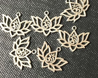 Yoga Healing Charms 10 pieces Lotus Flower Ohm Charms Antique Silver  unusual Yoga Charms 20 mm x 16 mm