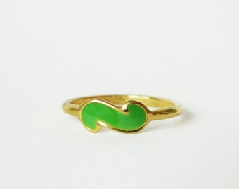 Vintage Lime Green and Gold Ring