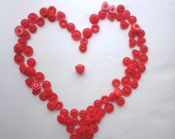 Set of 25 red snap snaps in the shape of heart