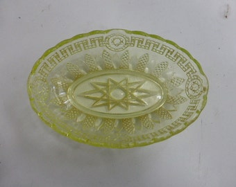 Nice cup of lime green color in glass , stamped REIMS, Star of David carved around 1940