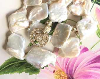 White Large Flat Freeform Baroque Nucleated Pearl Crystal Necklace,Rare Keshi Boho Jewelry,Her Natural Wedding Statement,Natural Mother Gift