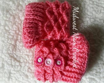 Pink Crocodile Stitch Baby Booties 0-6 months