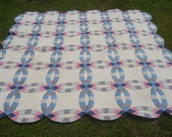 REDUCED-Beautiful Vintage Double Wedding Ring Quilt/Bedspread-Pink and Blue-Manufactured Patchwork Quilt- Hand Quilted-82x82-Full or Queen