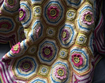 Crochet lap blanket pattern, baby blanket pattern, floral motif in vintage colours, embroidery