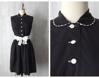 Women's Vintage 50s Black Cotton Sleeveless  A Line Dress with Ric Rac Frill Peter Pan Collar and White Buttons // Size XS