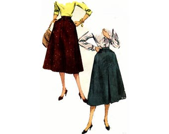 Simplicity 1315 Woman's Flared Four Panel Skirt With Yoke Pockets With or Without Front Pleat Sewing Pattern Size 28 Vintage 1950's
