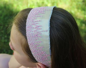 Headband gold with a pink beaded lace