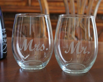 Stemless Mr. and Mrs. Wine glass set, Personalized Wine glasses