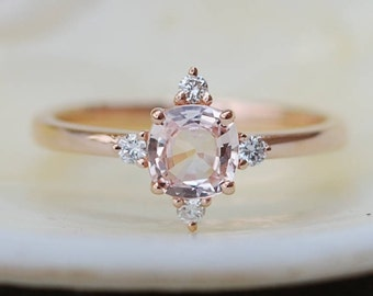 Peach sapphire engagement ring. Promise ring. Cushion engagement ring. 5 stone ring. Rose gold engagement ring. Gemstone ring Eidelprecious