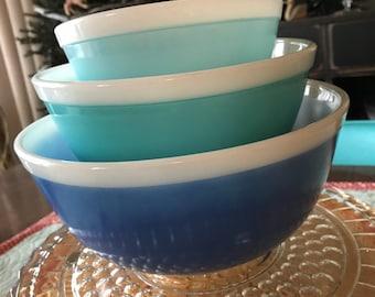 Blue Anericana Nesting Pyrex Bowls 401, 402 & 403