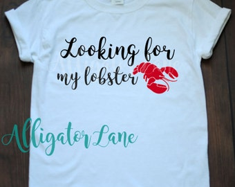 Looking for my lobster i found my lobster friends quotes tshirt he's my lobster she's my lobster ross and rachel love story