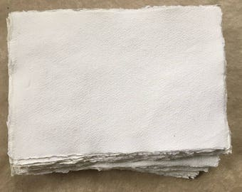 50 x A4 320gsm straccio di cotone, fogli di carta fatta a mano di Khadi bianchi, A4 21x30cm 8.25x11.8inches, bordo di deckle, carta patinata media superficie, fatto a mano