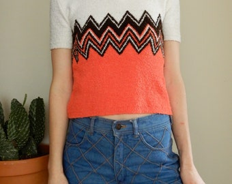 1970s orange and brown zig zag cropped sweater • Vintage • Retro • Groovy • Seventies • Pullover • London • Cute • Crop Top • 70s • Knit •