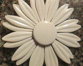 Vintage Metal Flower Power Pin