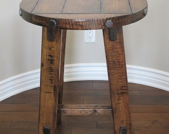 Table Round 28 Inch Diameter Old World Style